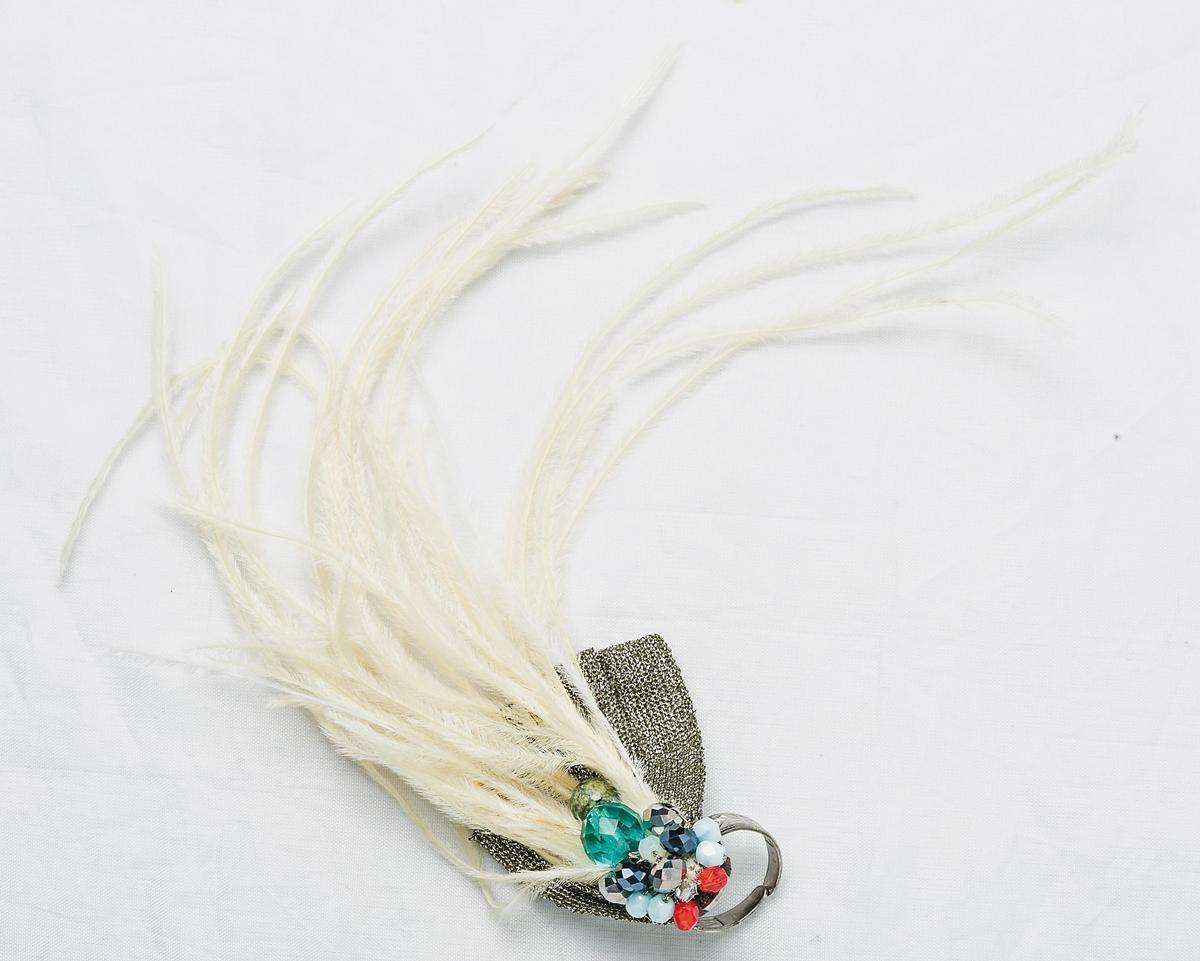 Qi Qiao手工訂製戒指。設計師送的禮物。