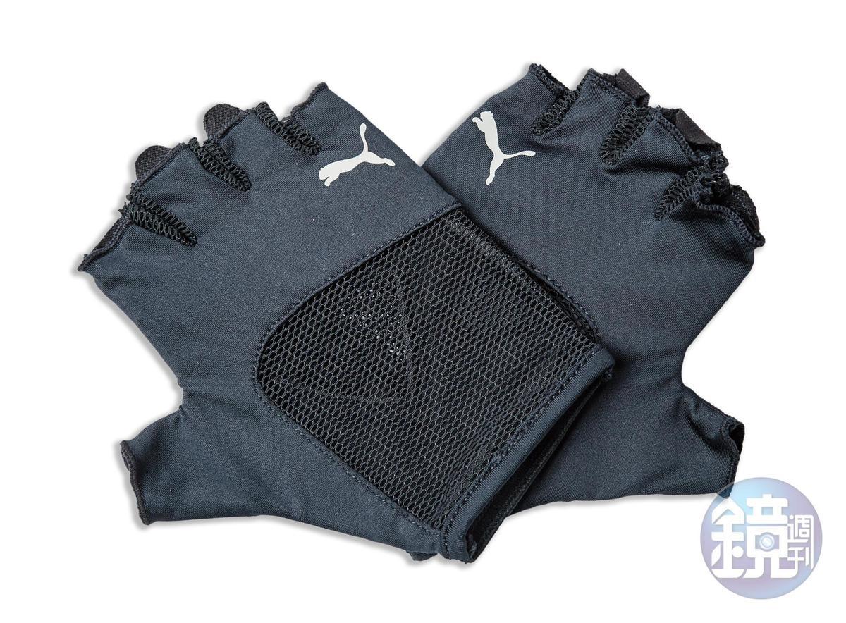 PUMA訓練手套。NT$680