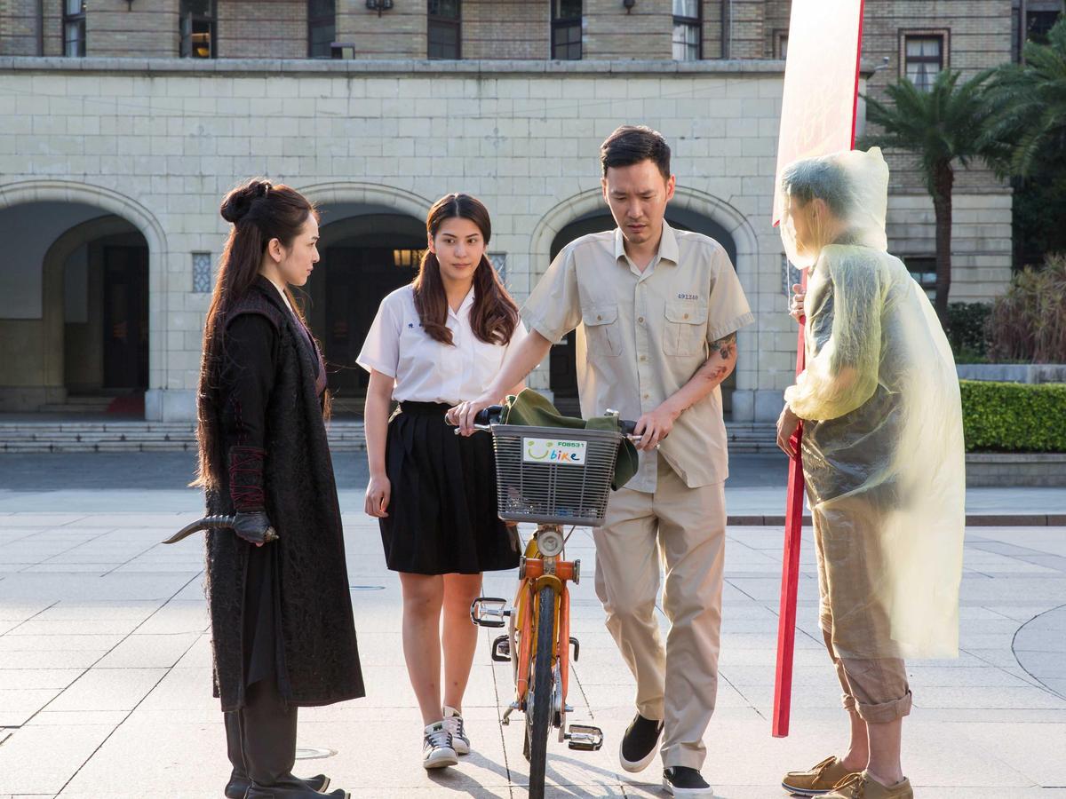 蔡燦得(左起)、雷婕熙、張少懷、陳以文,在2018台北電影節形象廣告,一口氣模仿了多部台灣電影代表作。(台北電影節提供)
