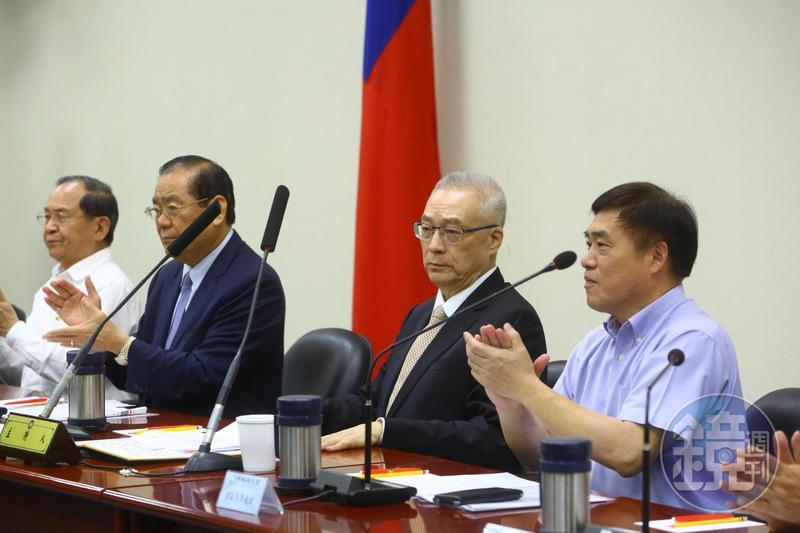 針對卡管案,國民黨主席吳敦義今批蔡政府所作所為侵蝕台灣的民主自由價值。