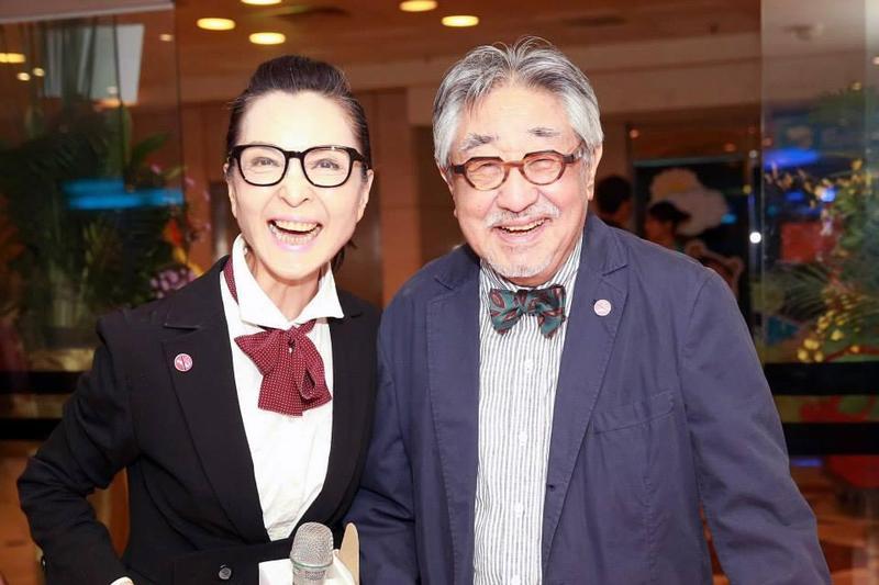 孫越和陳淑麗數十年來投入董氏基金會義工宣導戒菸。(翻攝臉書)