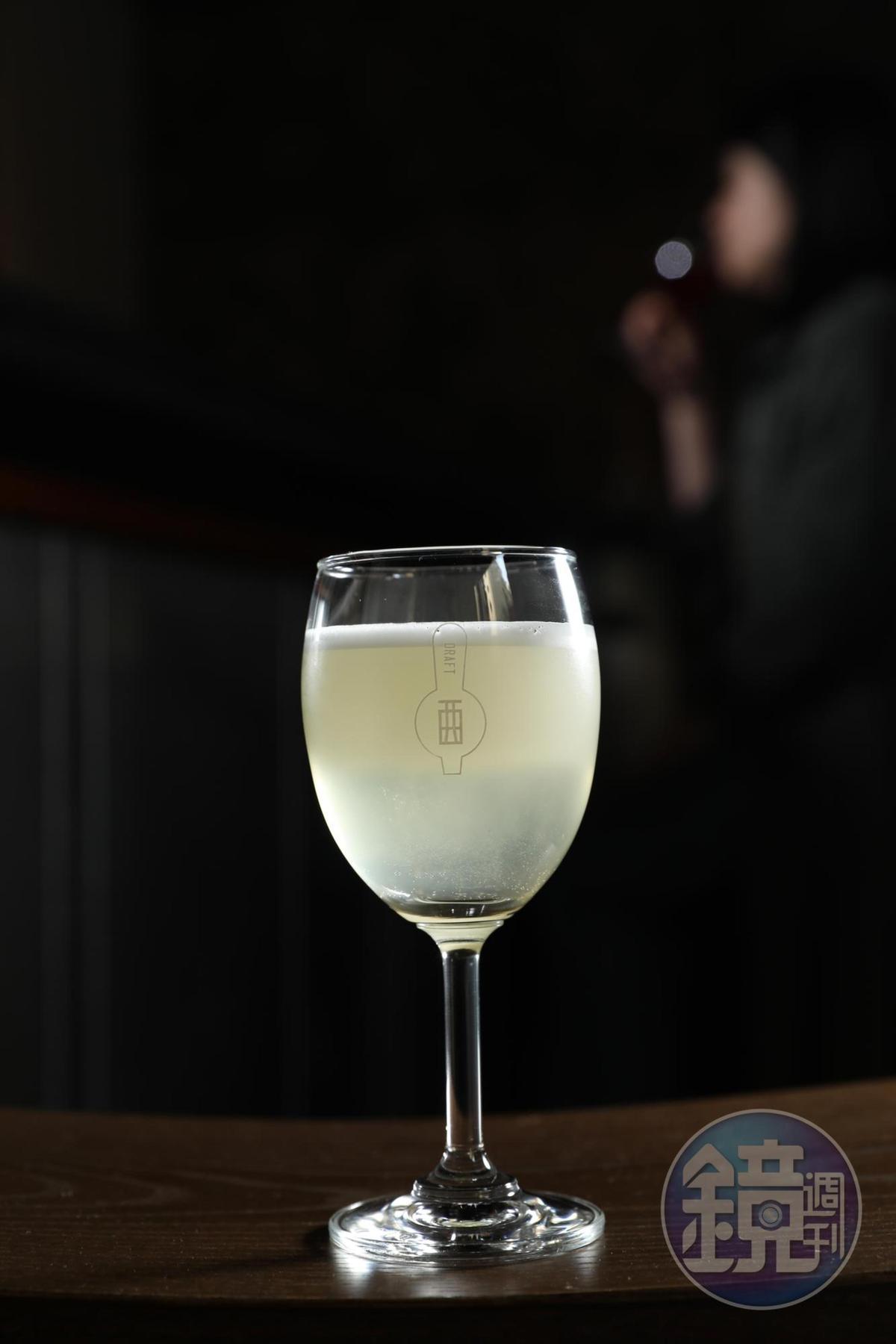 「Sherry Cobbler」野牛草伏特加陪襯雪莉酒,帶有草香味的甜香,鳳梨則搭襯雪莉酒的堅果味。(200元/杯)