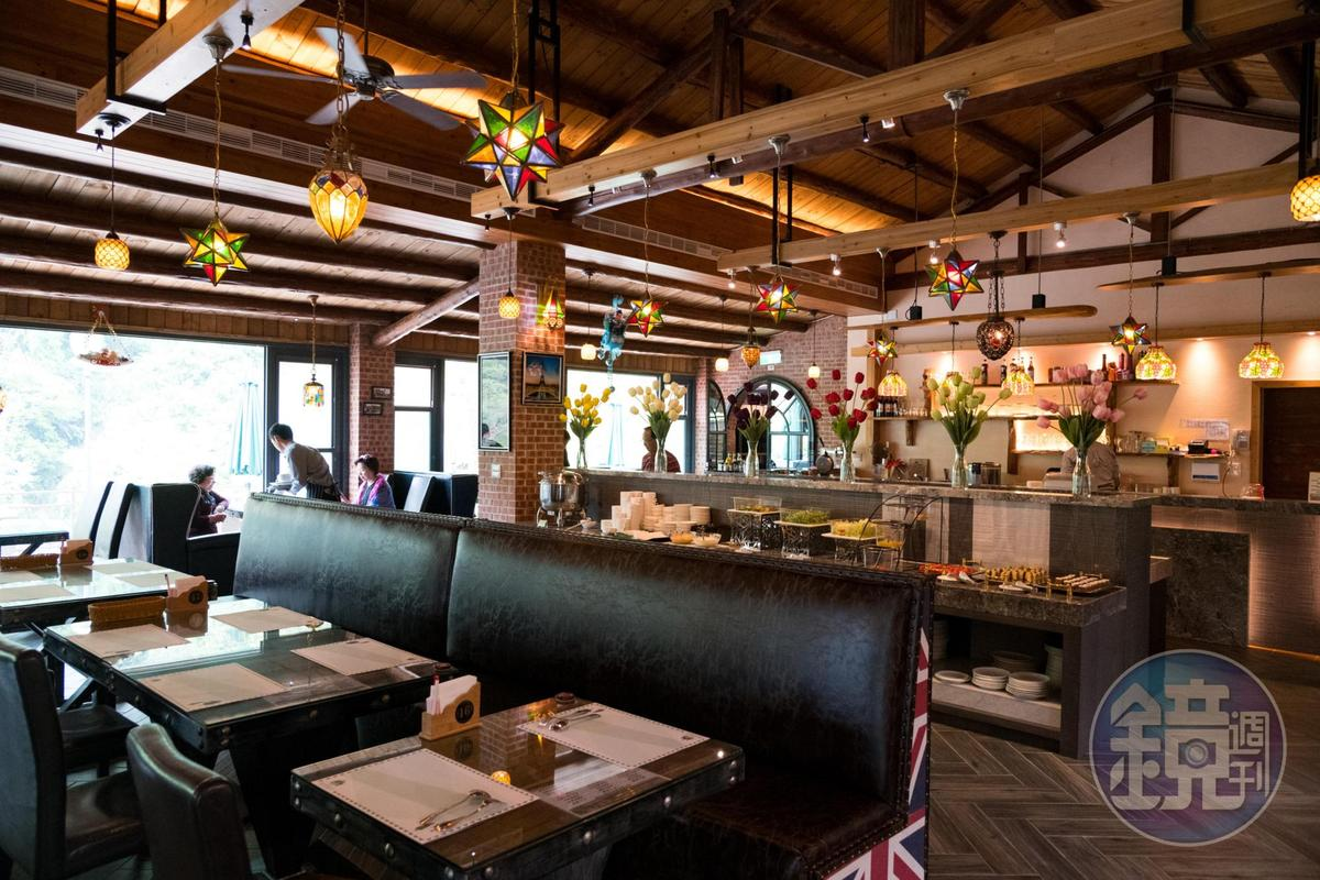 除了餐點,餐廳也提供簡單的Buffet。