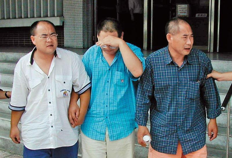 2001年杜氏父子3人被控在廣東殺害5人,陳欽賢說,中國提供的幾項物證,台灣的法院皆無法檢視。此案已在2014年執行槍決。(聯合知識庫)