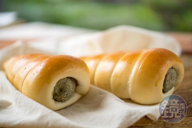 運用木柵的韻紅紅茶做的海螺麵包,是「阿段烘焙」結合在地物產的最佳代表。