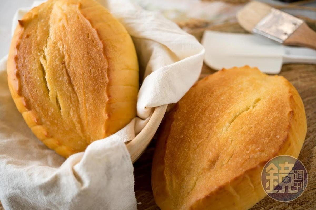 「羅宋麵包」充滿奶油酥香,質地綿密。(60元/個)