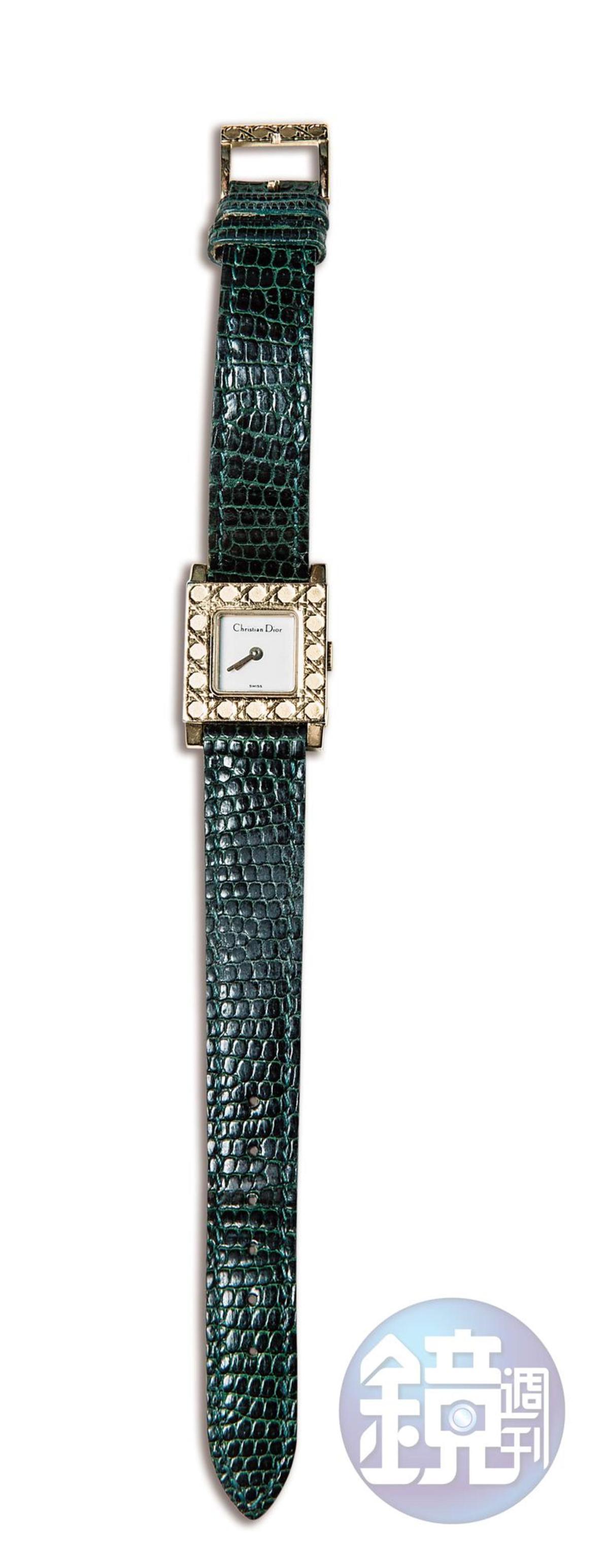 Dior手錶,是媽媽佩戴了2、30年後送的禮物。