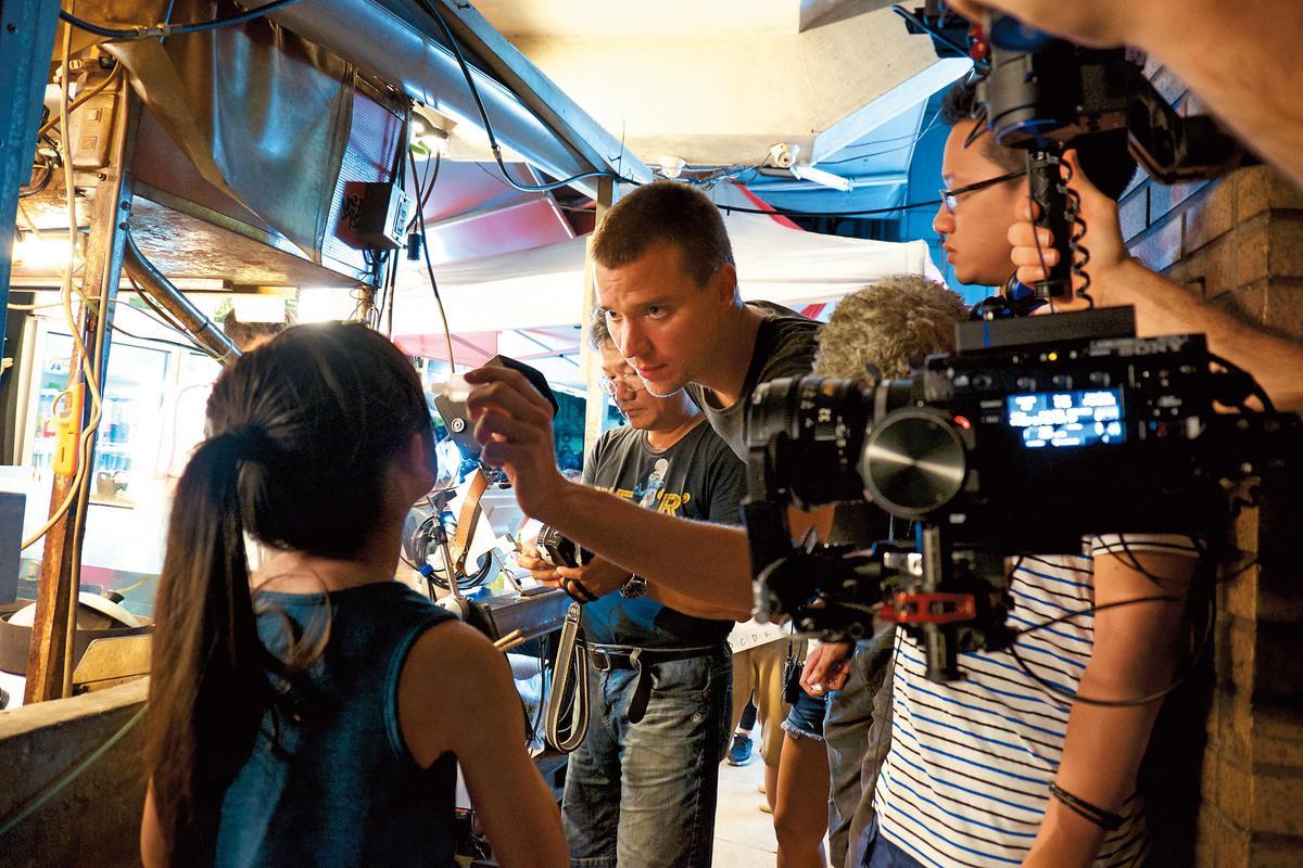 王洪飛深受台灣的獨特魅力吸引,他認為台北街頭巷弄有很多神祕的事物,因此已在台北拍攝4部作品。(前景娛樂提供)