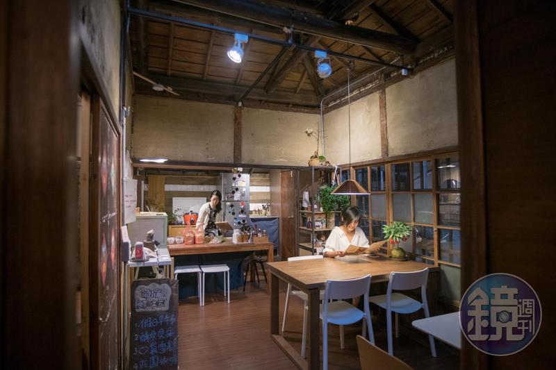 「海倫鮮土司」位於由銀行宿舍改建的百年老建築「中山18」中。
