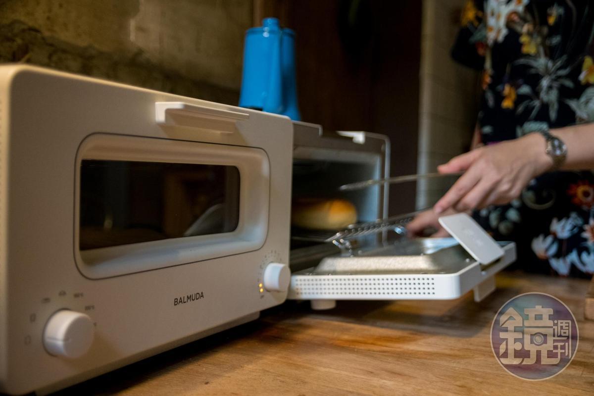 店內使用BALMUDA烤麵包機來烤土司。