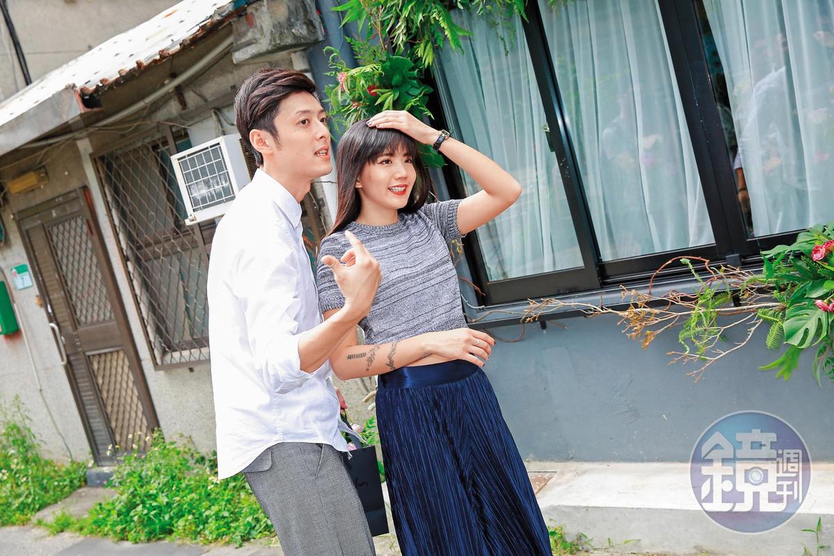 陳艾琳(右)身邊的「小王」顏庭笙(左)曾經處在她跟前夫阿翔的婚變風暴中,如今小倆口撐了過去,表現出患難夫妻的姿態。