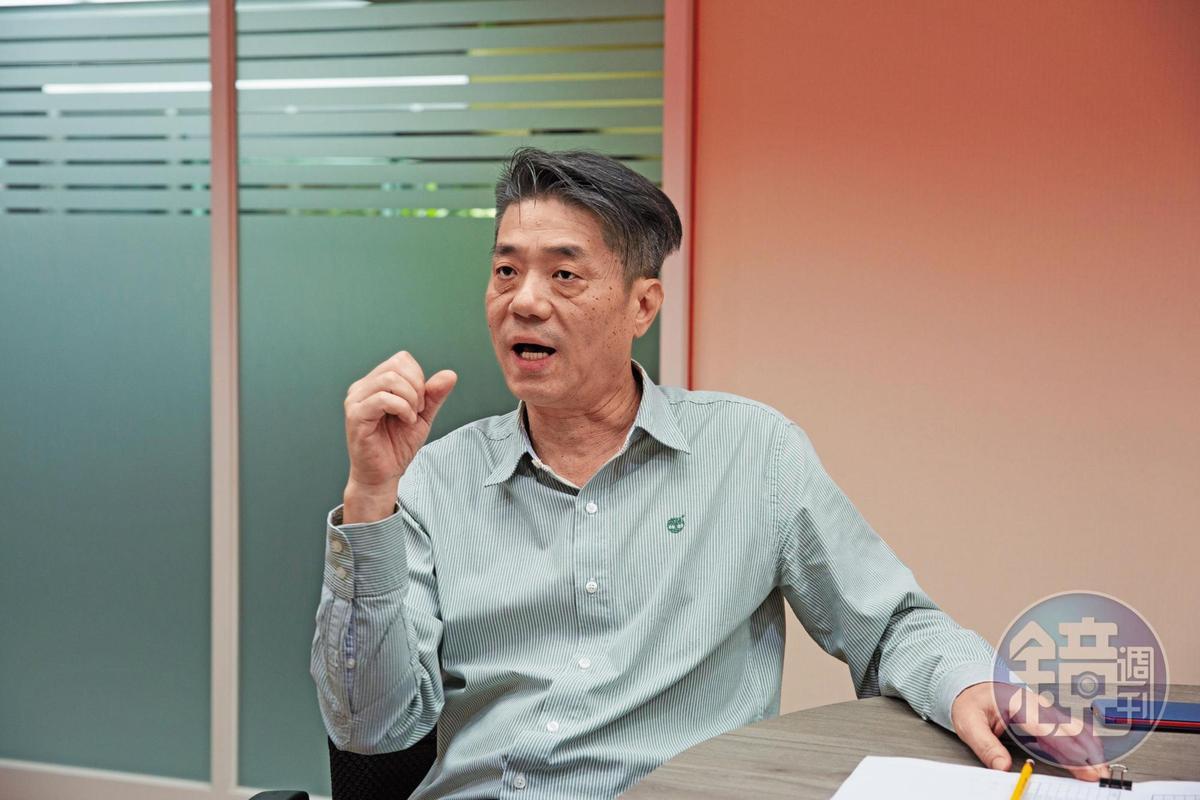 債權人之一的元馥建設執行長王伯文指出:「楊健福會開著勞斯萊斯名車來借錢。」