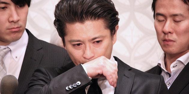 爆出淫行事件後,山口達也從留團察看到迅速慘遭解約,後續又遭日本八卦週刊掌握更多不堪猛料。(翻攝HUFFPOST網站)
