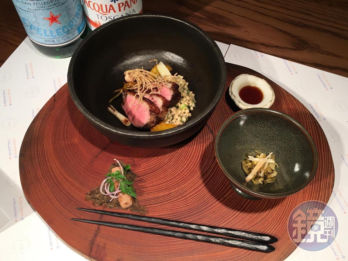 陳子洋以台灣鴨做為比賽主題,除了使用宜蘭鴨,還包含在地的醃菜。