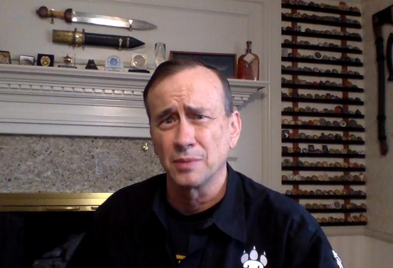 NRA大會講者戴夫‧葛羅斯曼(Dave Grossman)是一位出名的擁槍人士。