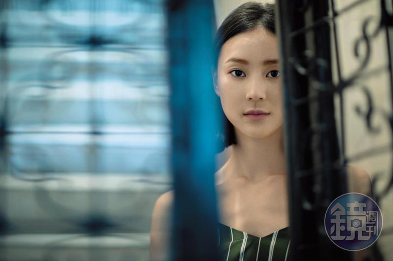 鍾瑶喜歡打破自己的限制,以前覺得另一半是圈內人很安心。「但我現在想想,不管另一個人是做什麼工作,兩個人都是一起打拚啊。」