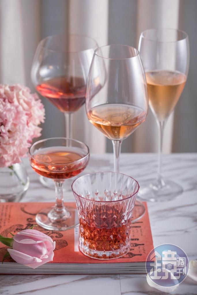 粉紅酒酒色迷人,溫和易飲,但其中仍有適合純飲的重量款。