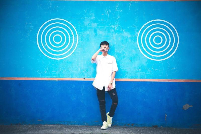 艾文同學初試啼聲,將在5月11日推出首支單曲《不想上課》。(混血兒娛樂提供)