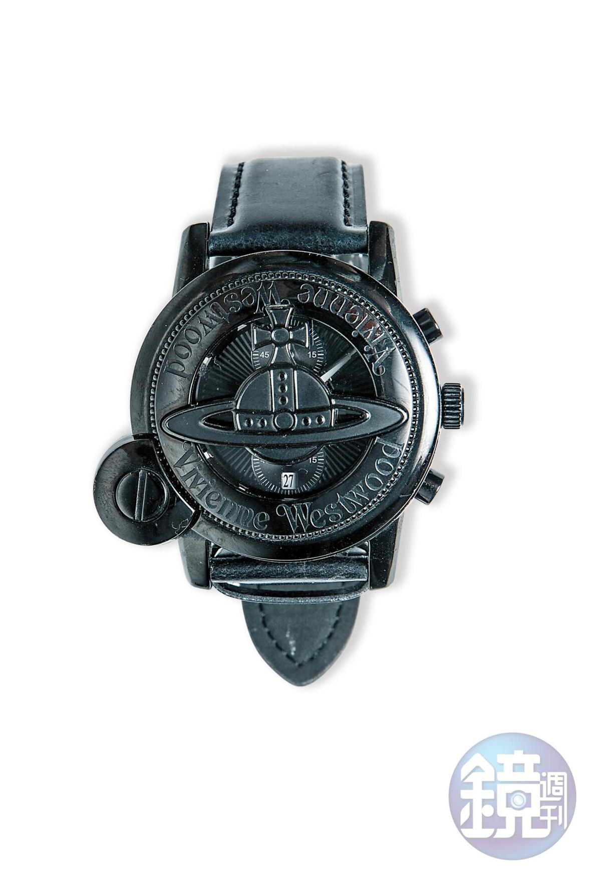 Vivienne Westwood黑色手錶,朋友送的生日禮物。