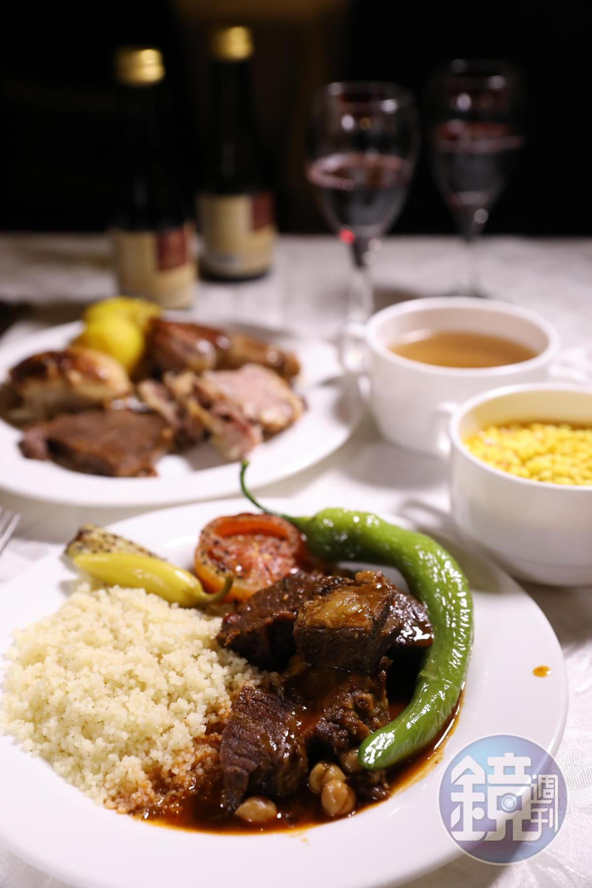 大塊牛羊肉配蒸製粗麥粉Couscous便是一頓以色列人的大餐。