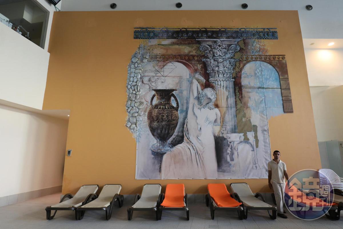 飯店SPA內的大壁畫有羅馬浴場的Fu。