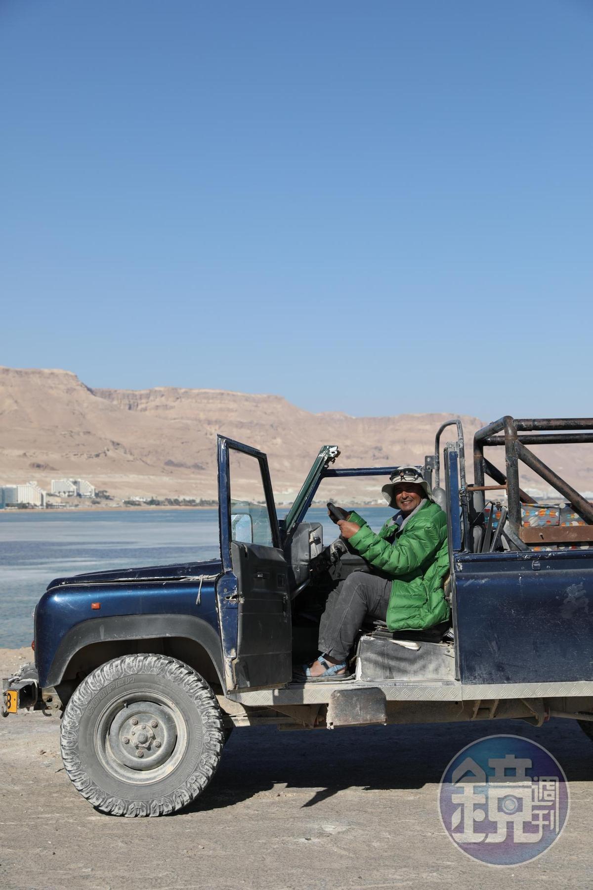 我的沙漠嚮導阿里是貝都因人,自小生長在沙漠裡的游牧民族。