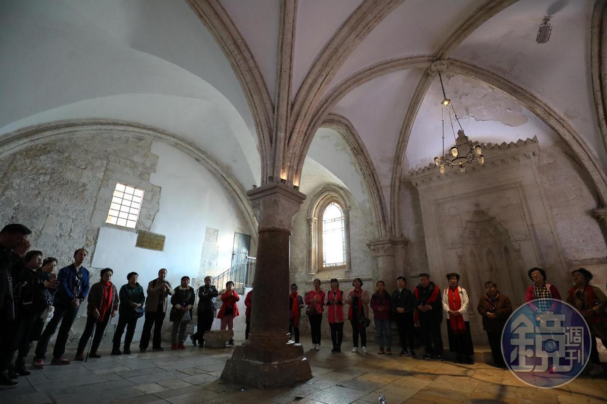 馬可樓據說是耶穌與十二門徒共進「逾越節」最後晚餐之地,很多基督徒專程來此祈禱。
