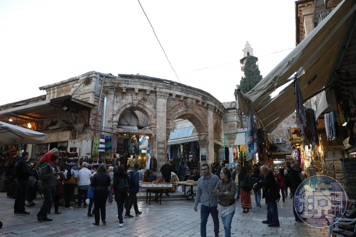 聖墓教堂外便是阿拉伯區的露天市集。