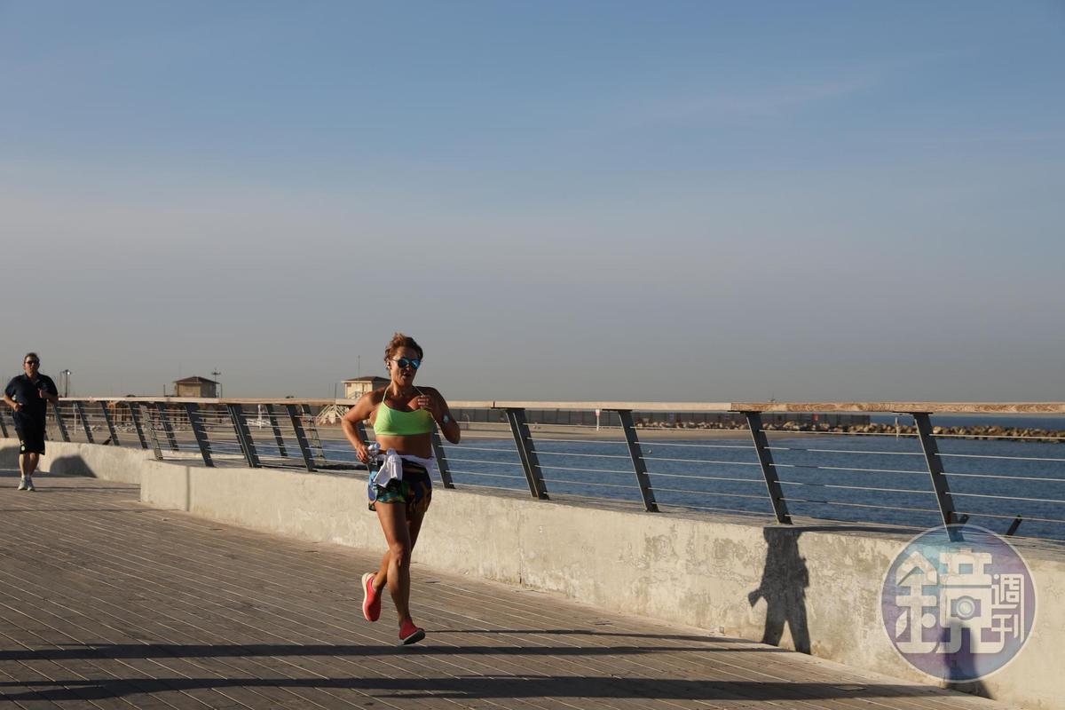 慢跑是特拉維夫的全民運動。