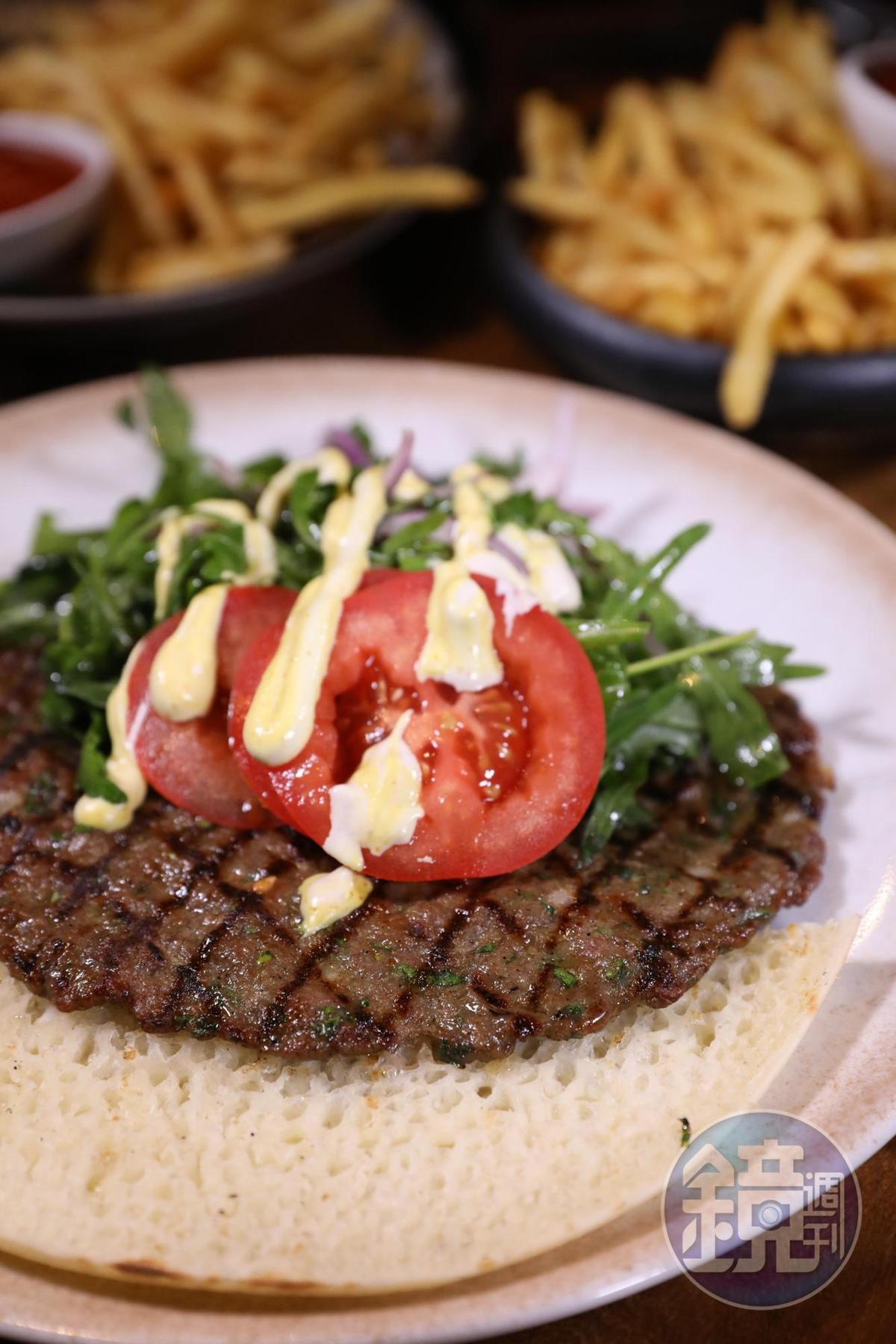 中東風味的「Flat kehab」,其實就是精緻版的烤羊肉。(76新謝克爾/份,約NT$648)