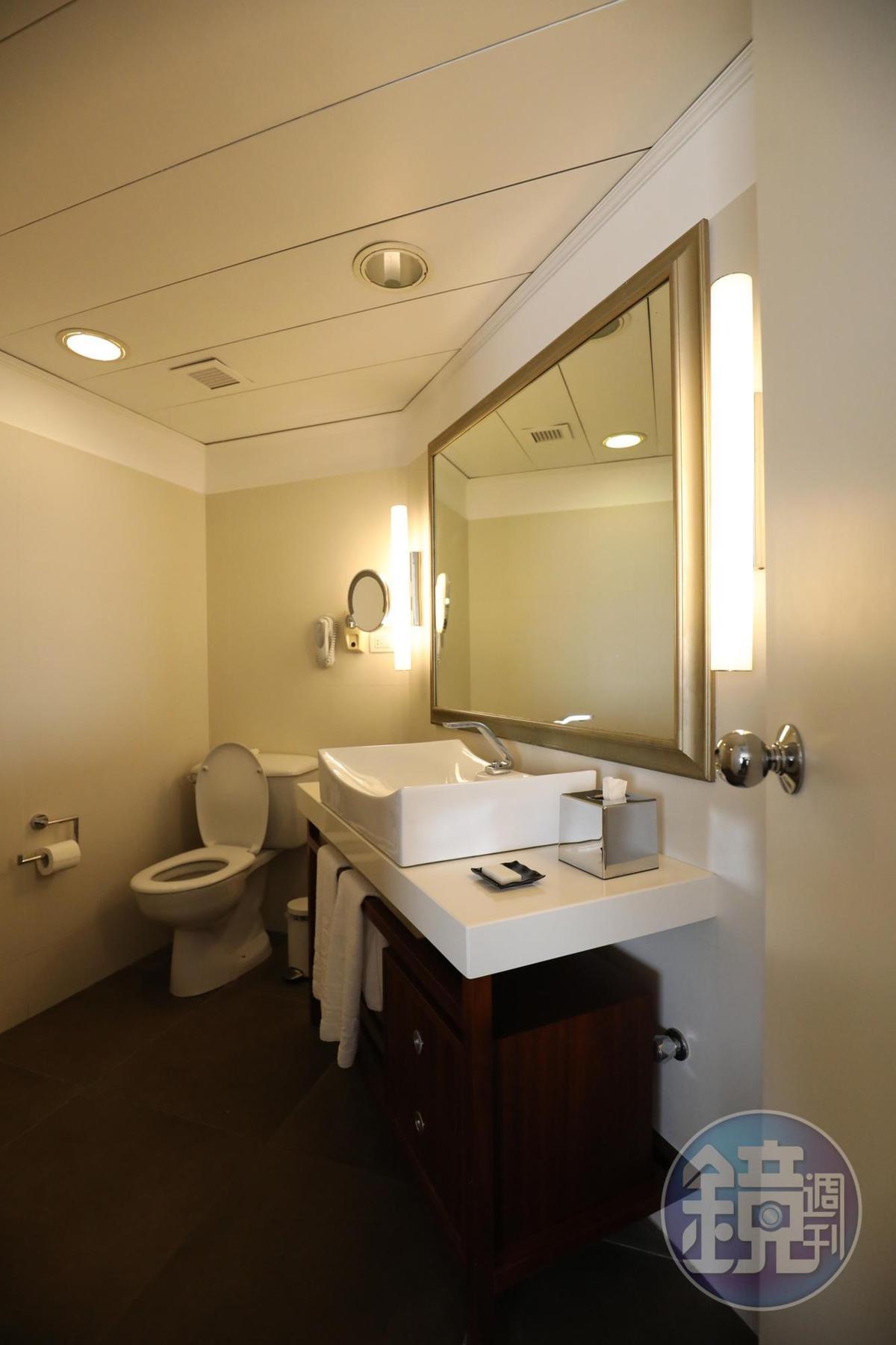 衛浴空間也算寬敞實用。