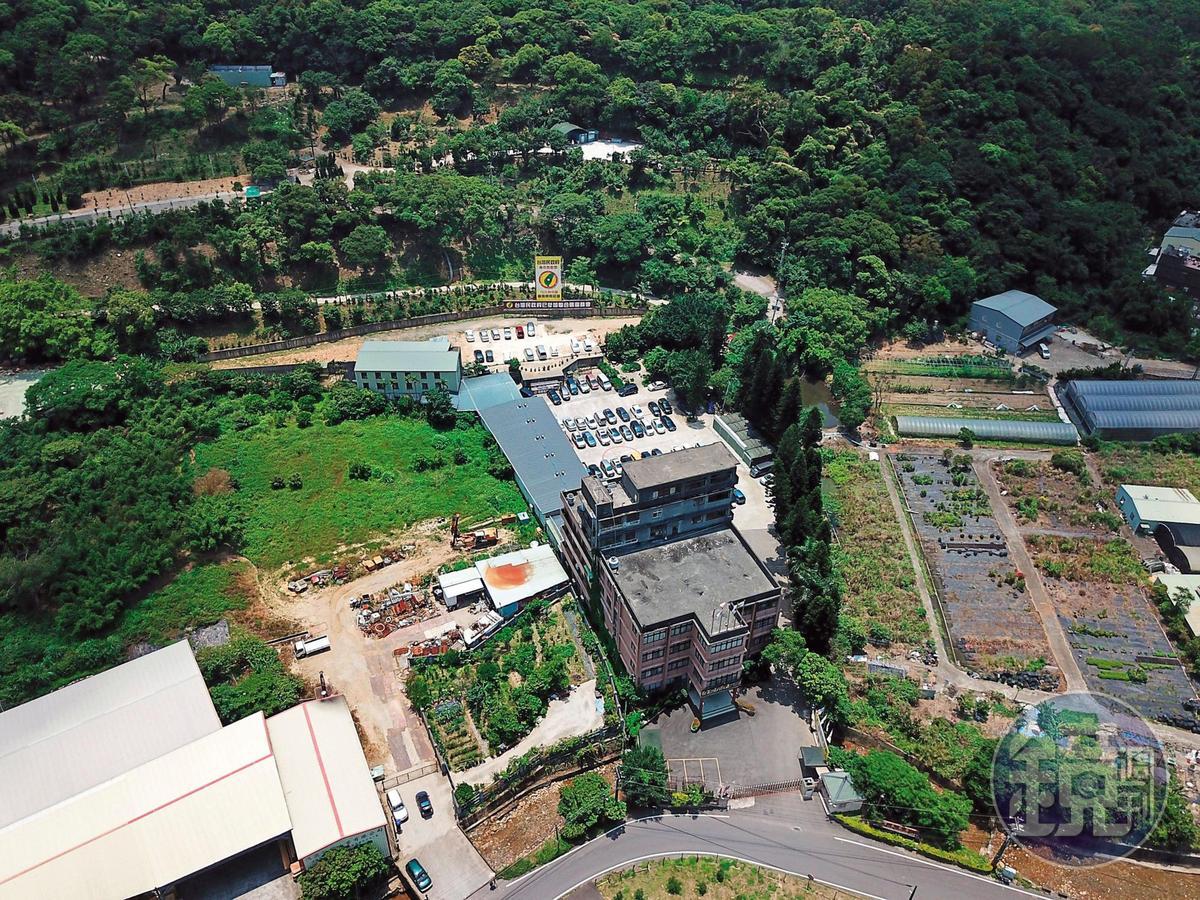 台灣民政府位於桃園龜山的中央會館,雖然負責人林志昇遭收押,仍照常舉行活動。