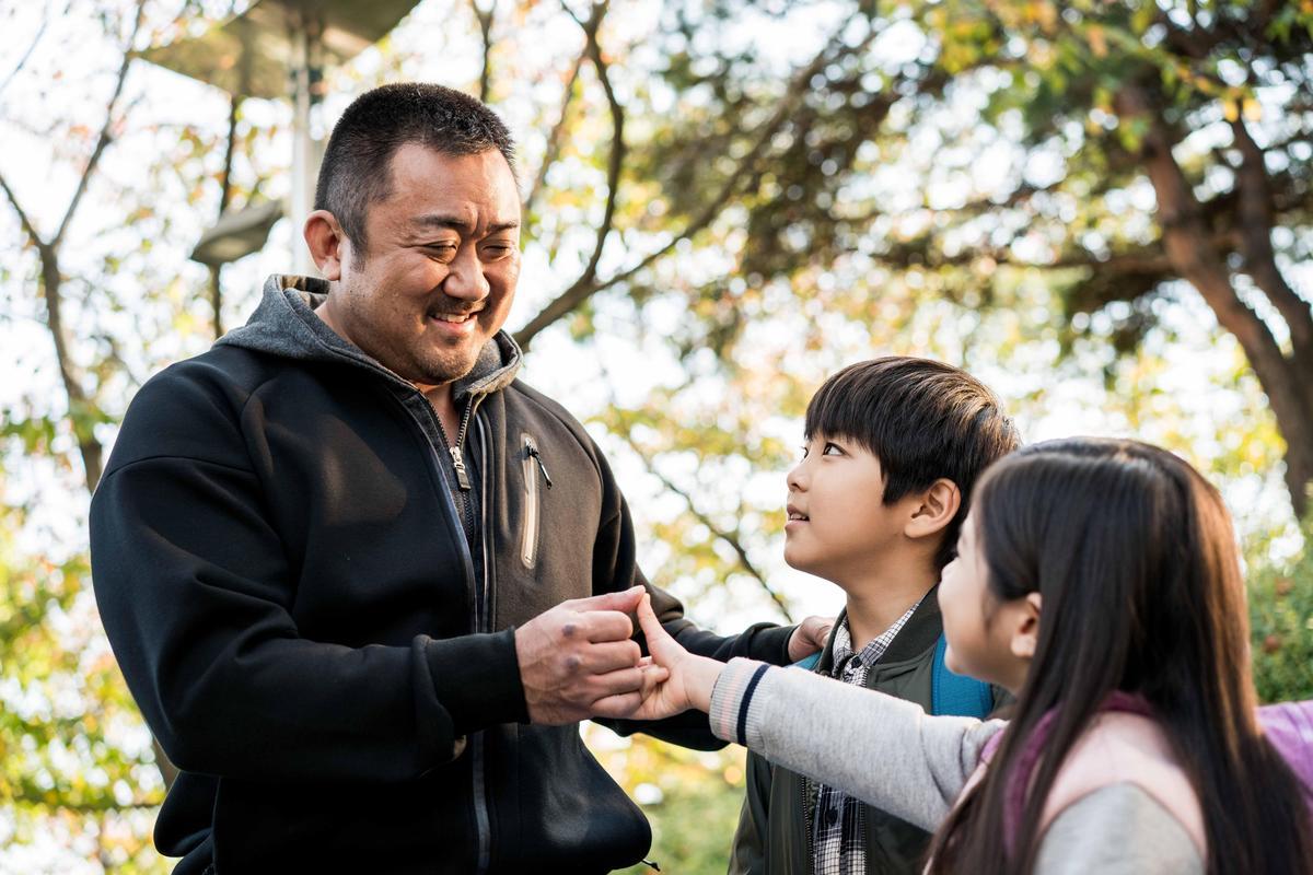 《冠軍大叔》即將於6月15日在台上映,片商表示已正名為「馬東石」,粉絲們別再寫錯囉。(華映電影提供)