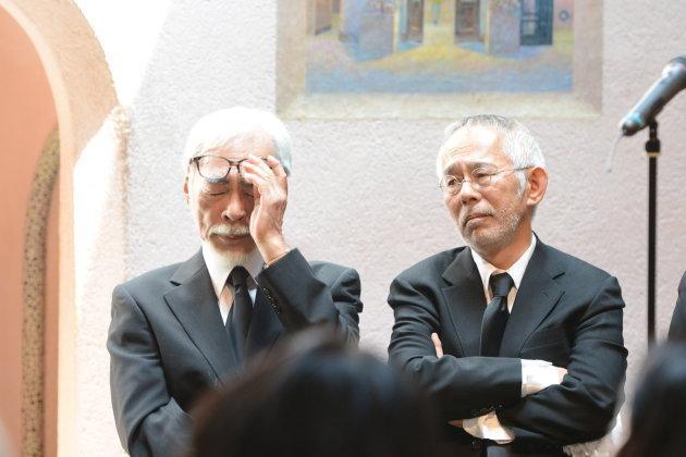 宮崎駿致悼詞時,哭到老淚縱橫。(翻攝HUFFPOST網站)