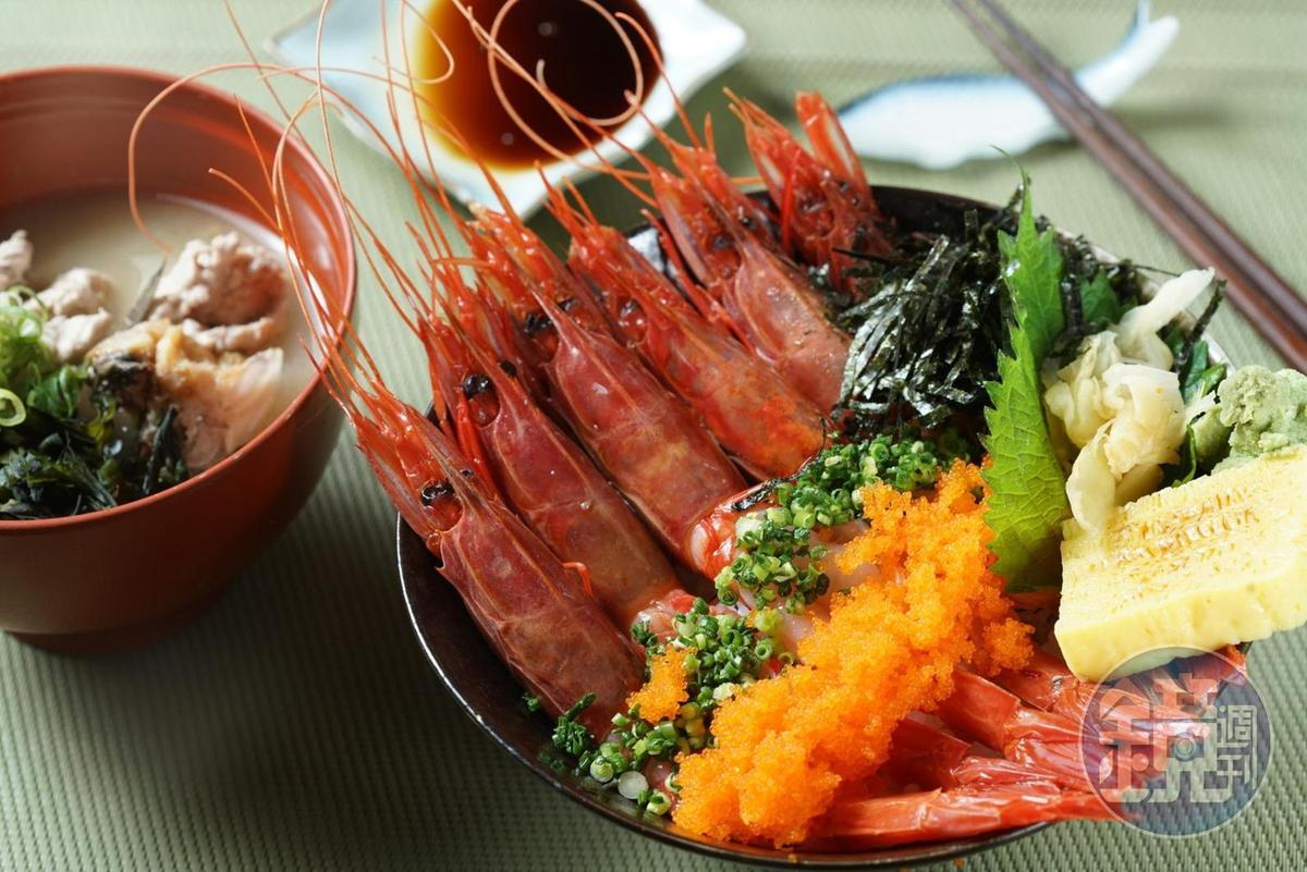 鮮蝦海鮮丼,有時老闆喝醉了會幫我加海膽。
