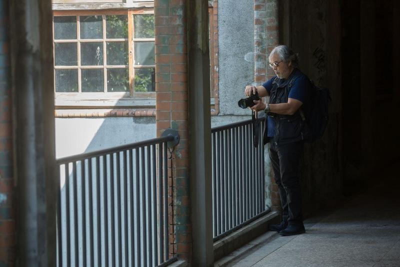 麥可山下說,攝影就是他的生活方式,他熱愛這門藝術,年近70了,他完全沒考慮退休。