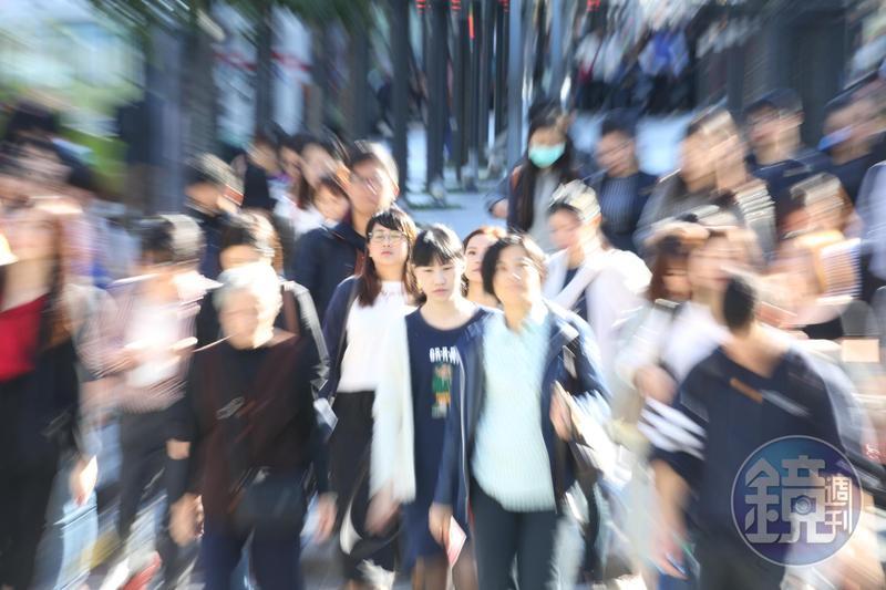 本文作者寇謐將指出,台灣人民目前為止能通過來自中國為「統一台灣」的文攻武嚇,是因為北京當局並未真正全力以赴。