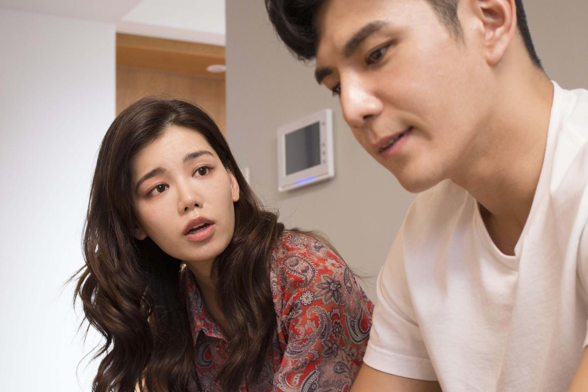 在《秘密情人》飾演祖雄正牌女友的宗念美,是個喜歡畫漫畫的腐女,個性天真又可愛。(CHOCO TV提供)
