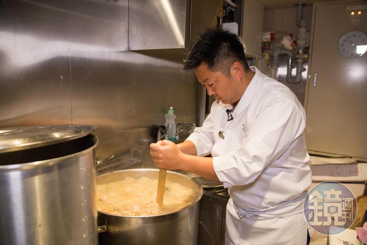 老闆辻田雄大是沾麵名人,用於茶泡飯的鯛魚高湯也由他精心設計。