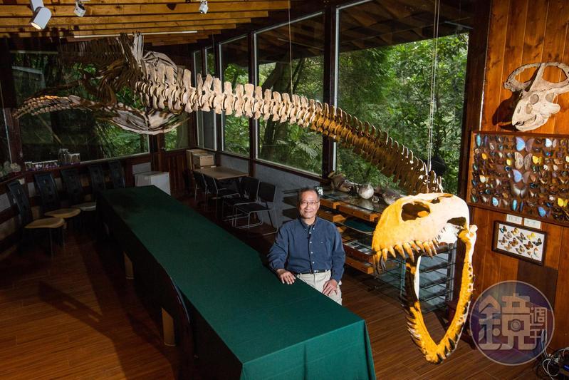 數十年來,李家維收藏了成千上百的動植物標本、史前化石、出土陶瓷器,身在其中,簡直像是來到了博物館。