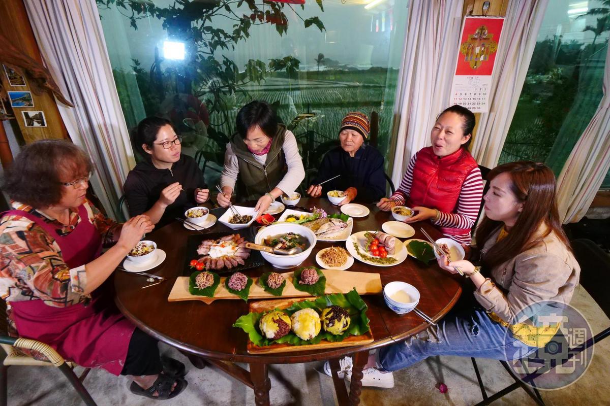 當部落開始種回消失30年的海稻米,出外孩子就有了回家耕田、吃飯的理由。