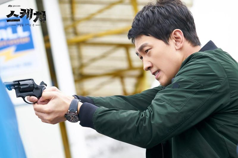 韓流天王Rain在新戲《素描S ketch》中飾演刑警,讓觀眾再次見識到他靈活俐落的好身手。(JTBC提供)