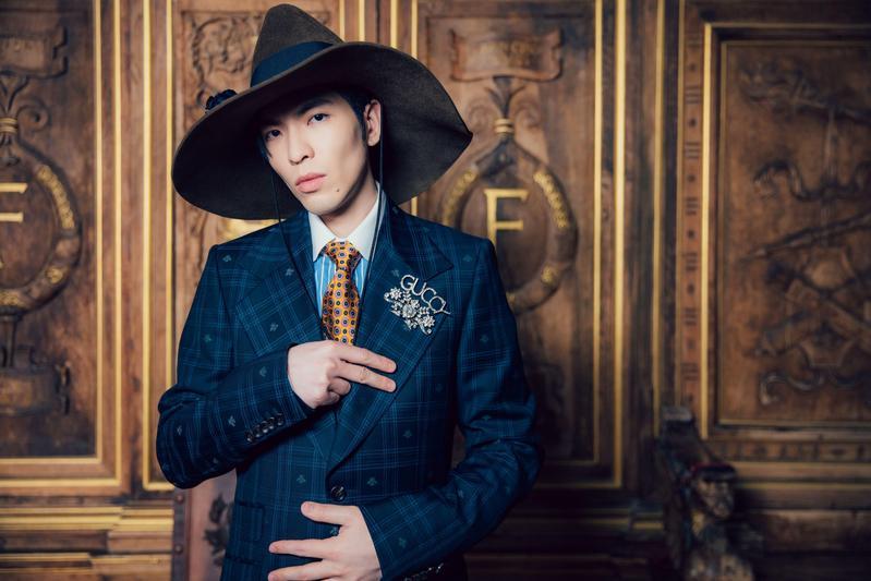 蕭敬騰本週將在台北小巨蛋舉辦個人演唱會,新歌有3首站上週榜,氣勢十分驚人。(華納提供)