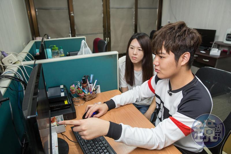 決策性事務幾乎都由蘇友謙(右)親自決定,他認為經營者必須親力親為。