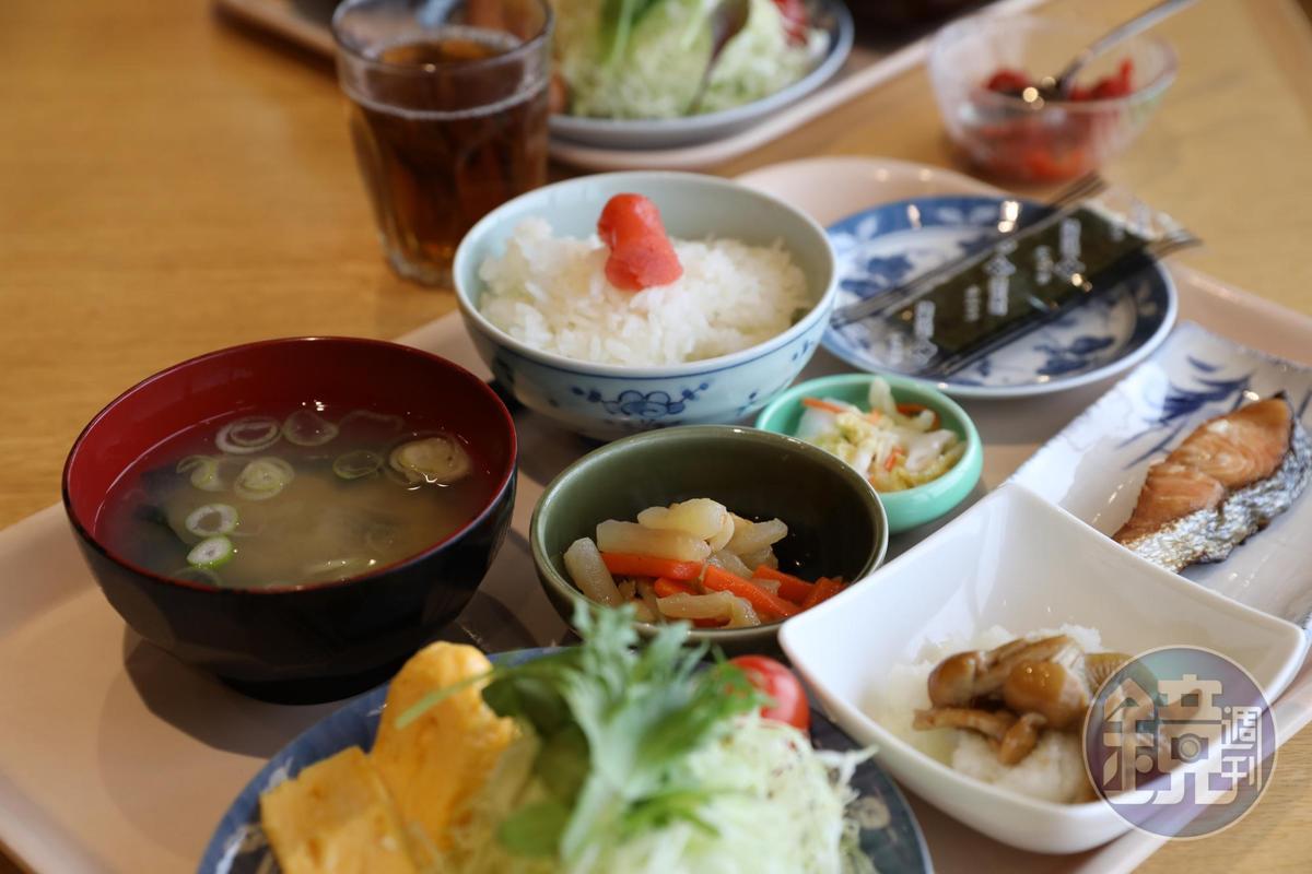 「今日定食」菜色可媲美飯店的日式早餐。(800日圓/份,約NT$216)