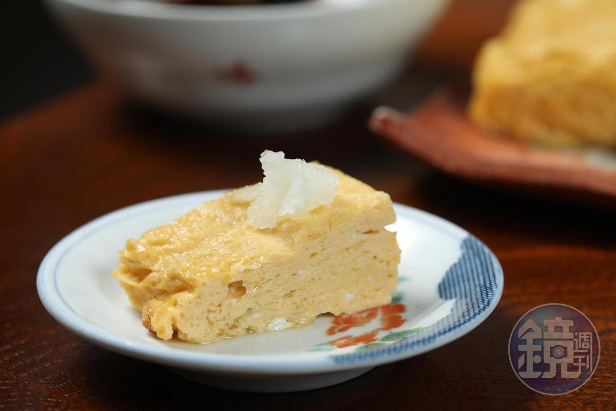 長森蕎麥麵屋的「玉子燒」是桌桌必點的招牌。(600日圓/份,約NT$162)