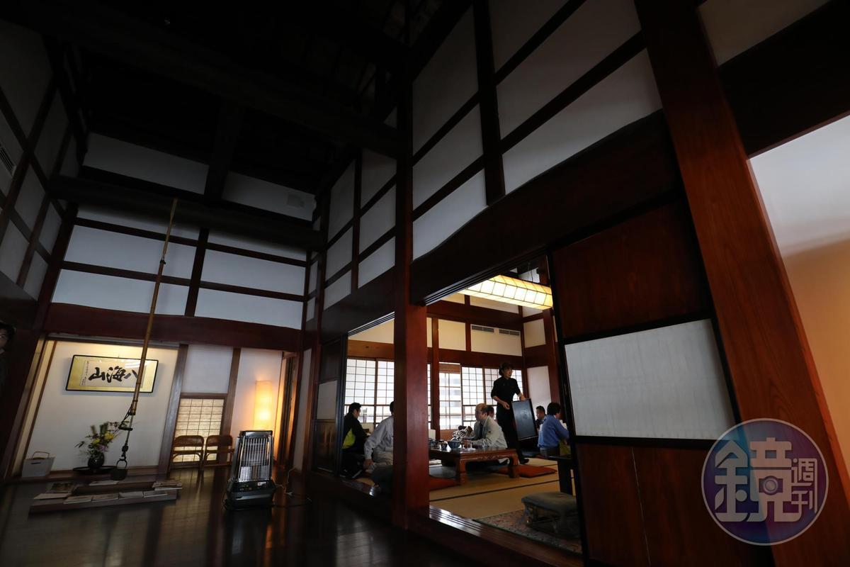 長森蕎麥麵屋過去是望族的宅邸,古色古香。