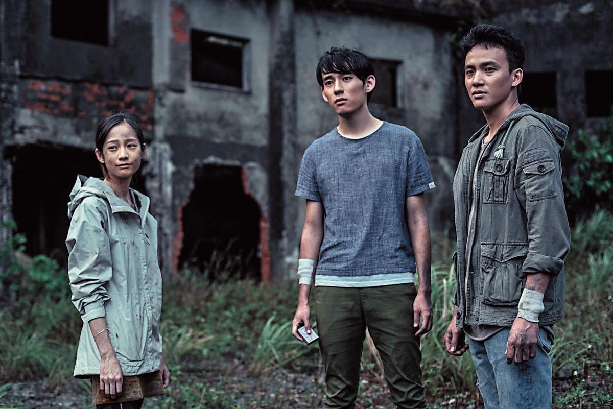 簡嫚書(左起)、徐鈞浩、曹晏豪主演的《天黑請閉眼》,是廖健行之前製作植劇場系列收視與口碑皆佳的作品。(好風光提供)