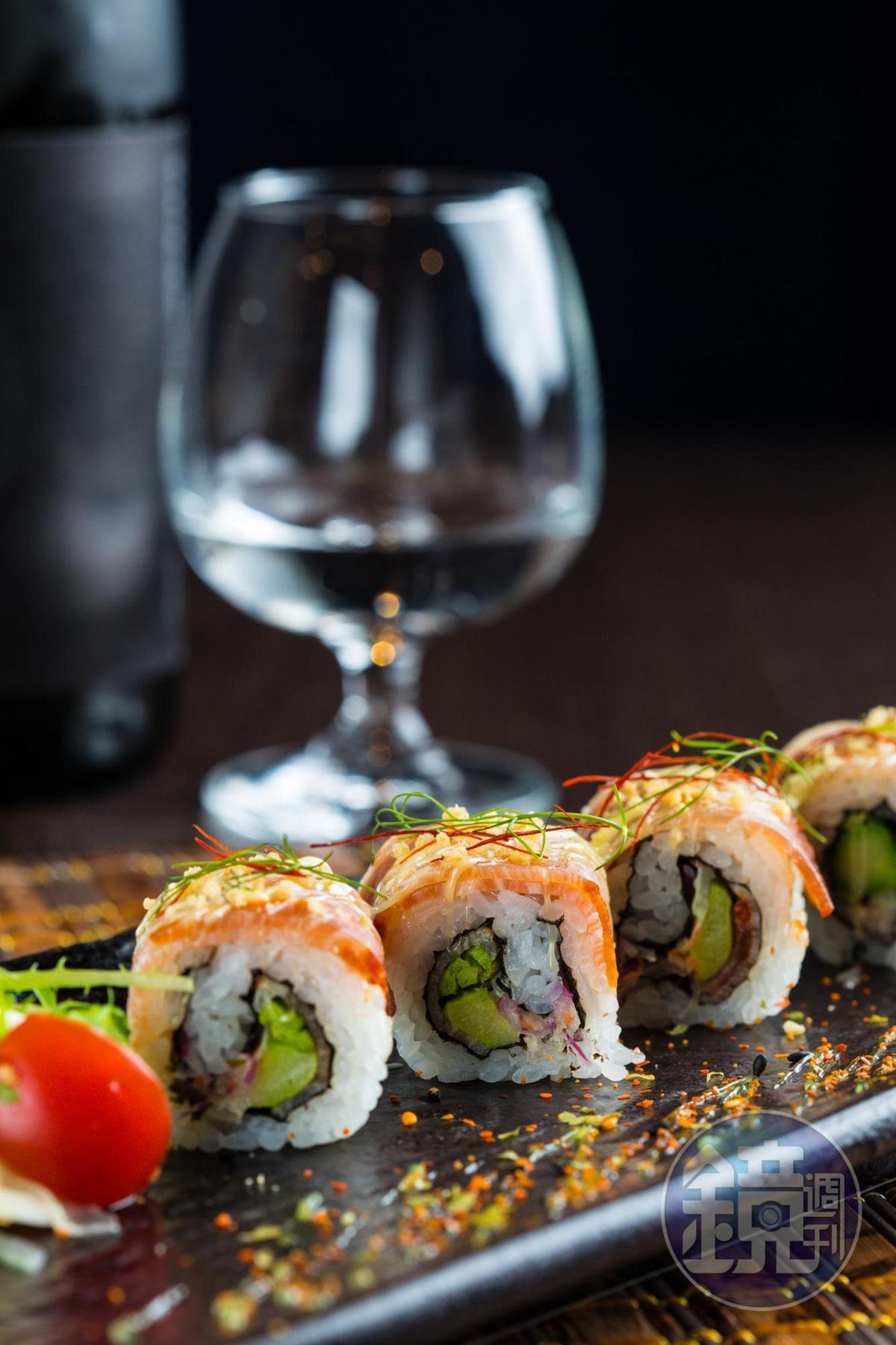 「伊比利火腿壽司卷」用脆口的酥炸粉點綴濃滑的生火腿和清爽蘆筍,口感有趣。(280元/份)
