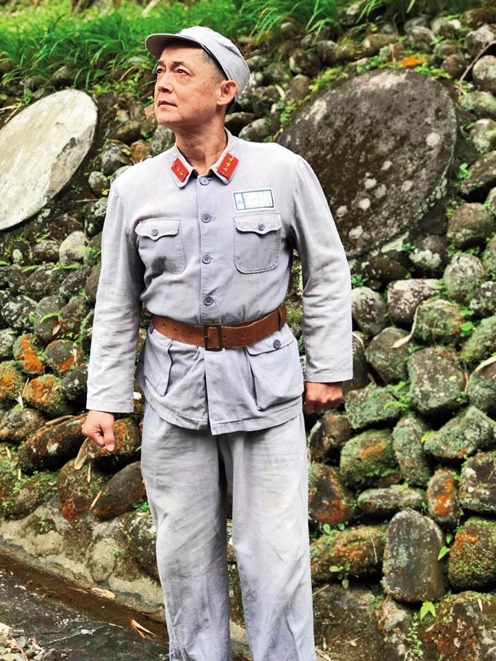 誤打誤撞進演藝圈打拚30年的鄭平君,無論角色大小,總是盡全力揣摩演出,務求對觀眾和自己負責。(翻攝自鄭平君臉書)